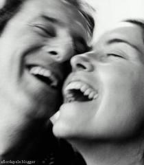 sorrir feliz